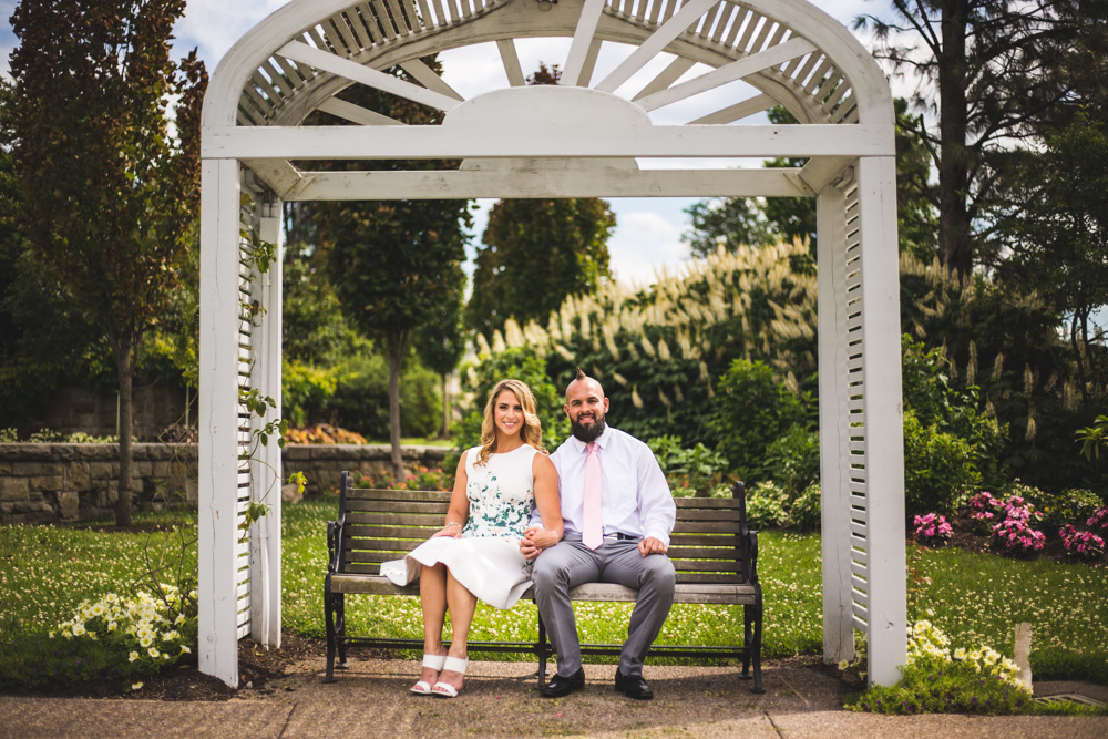pittsburgh-wedding-photographer-engagement-session-at-phipps-conservatory-man-nguyen-photography-09