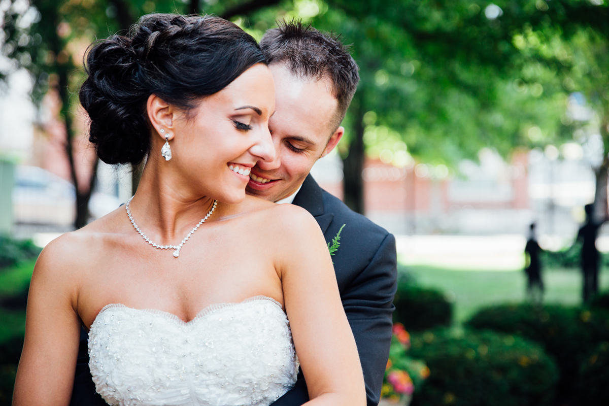 Pittsburgh wedding photographer at the Priory Grand Hall Garden