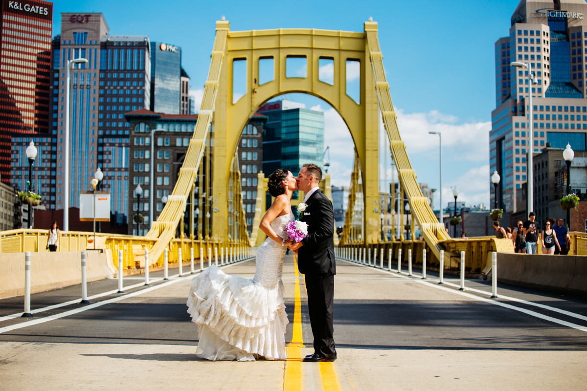 riverwalk-robert-clemente-bridge