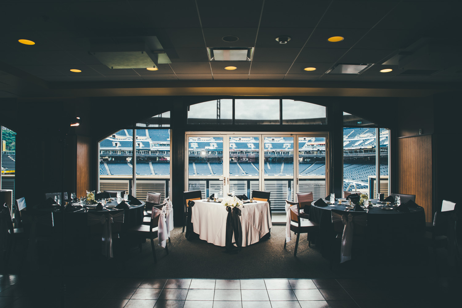 wedding-at-pnc-park-convention-center-downtown-pittsburgh-man-nguyen-photography-10