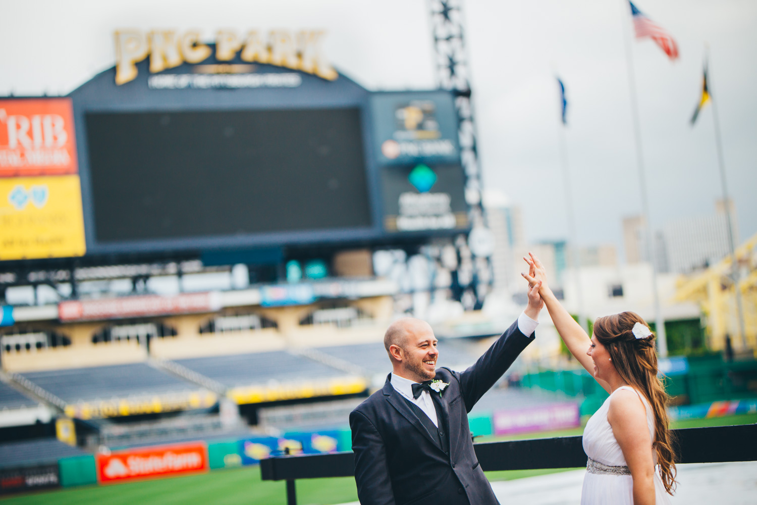 wedding-at-pnc-park-convention-center-downtown-pittsburgh-man-nguyen-photography-7