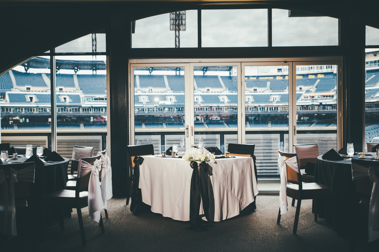 wedding-at-pnc-park-convention-center-downtown-pittsburgh-man-nguyen-photography-9